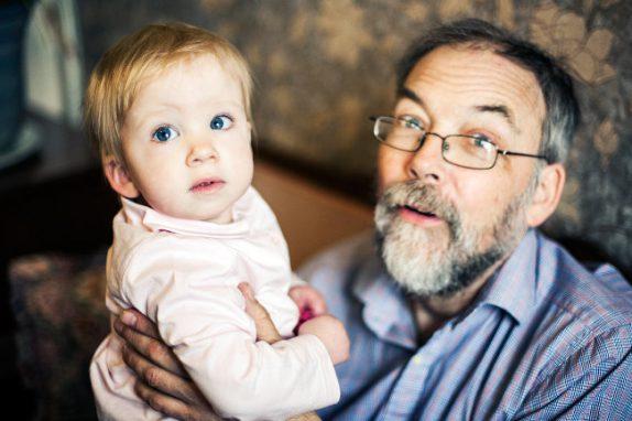 Дети пожилых отцов чаще страдают расстройствами психики