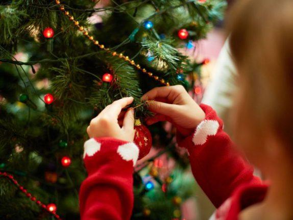Чем опасен синдром новогодней елки?