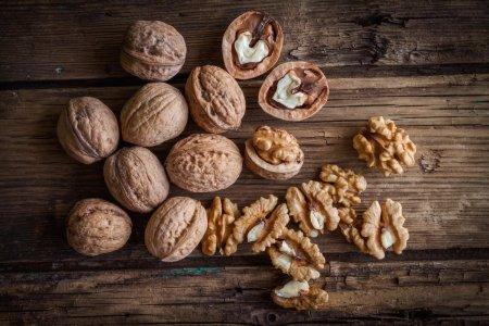 От плохого настроения, тоски и депрессии помогут орехи