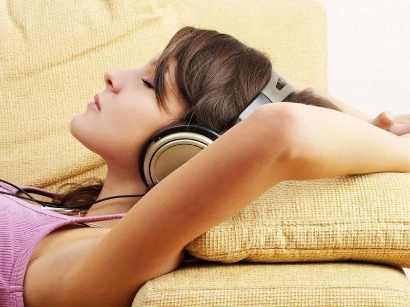 Врач-сомнолог Алексей Мелехин: сон под музыку небезопасен для нервной системы