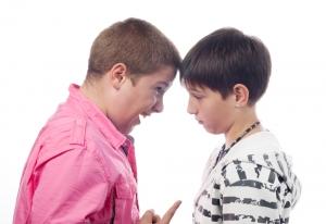 Подростки агрессивны из-за особенностей работы мозга