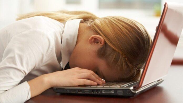 Как избавиться от осенней депрессии без лекарств: совет эксперта