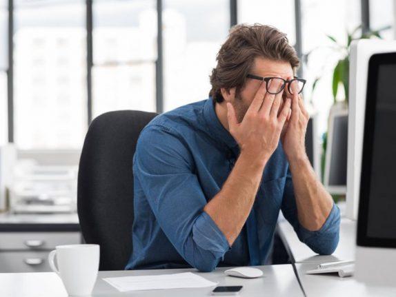 Лишний час работы в неделю влияет на здоровье