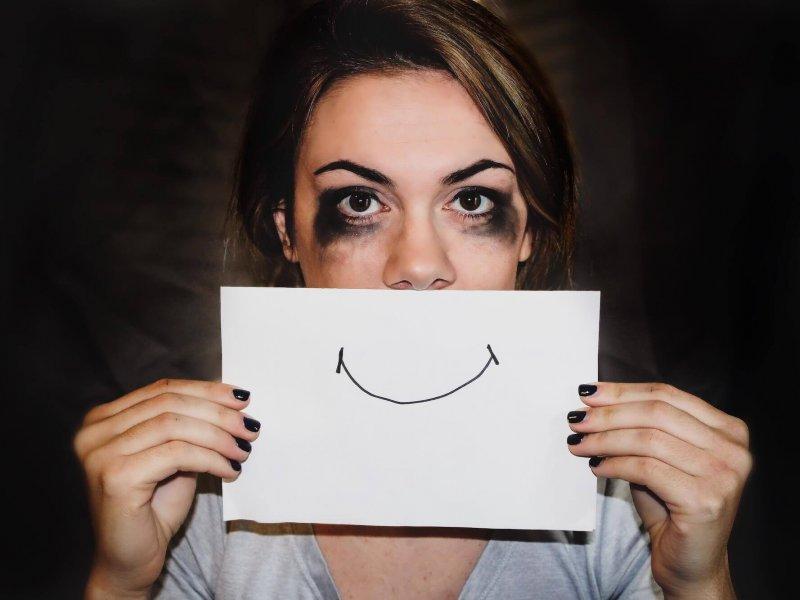 Психотерапевт рассказывает о скрытых признаках депрессии