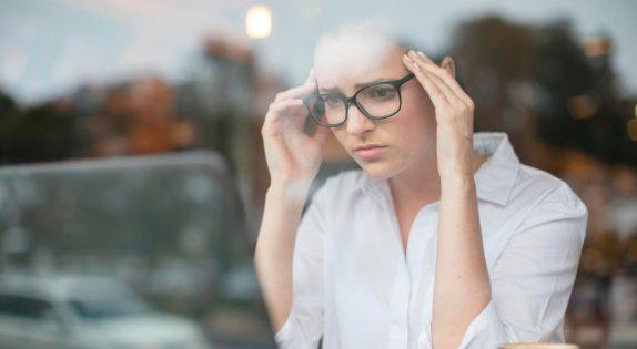 Хронический стресс: 6 сигналов, с помощью которых тело пытается нас предупредить