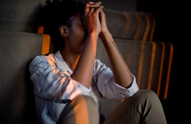 Как бессонная ночь влияет на развитие стресса