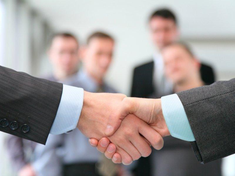 Ученые назвал мат залогом успеха в рабочем коллективе