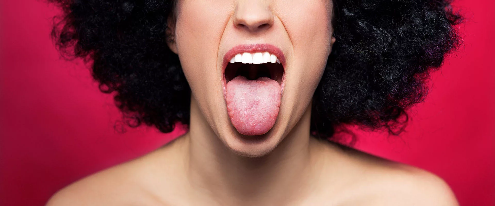 Почему на языке появляется белый налет