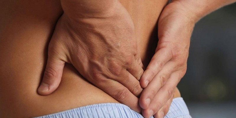 Продуло спину: симптомы и лечение