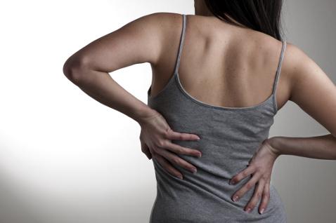 Защемление седалищного нерва: причины, симптомы, методы лечения
