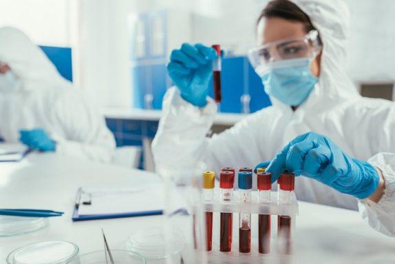 Как усилить эффект вакцинации и не заболеть второй раз